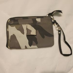 Thirty one camo wristlet